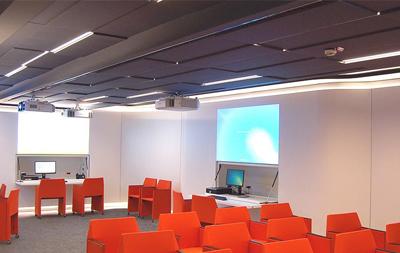 Modular-acoustic-false-ceiling-conference-hall-Poste-Italiane-company-Rome